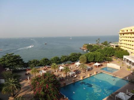 akhilsethi randomnomics blogpost pattaya thailand dusit thani hotel seaside poolside view