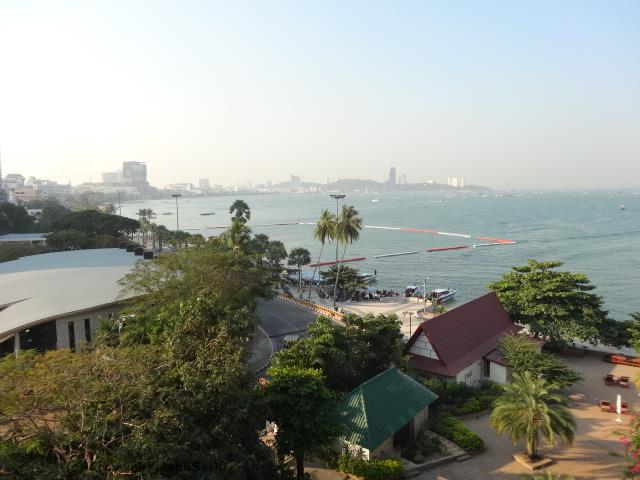akhilsethi randomnomics blogpost pattaya thailand dusit thani hotel seaside view